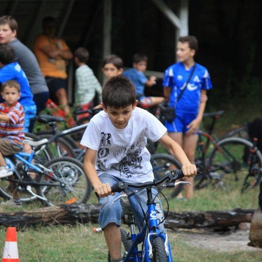 http://complexmagura.com/wp-content/uploads/2016/11/bike2-540x540.jpg